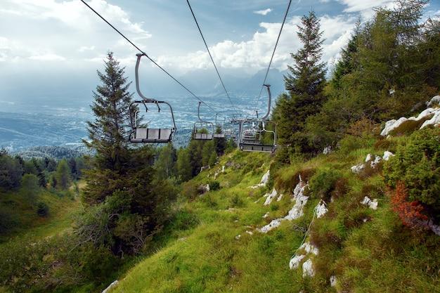 Nevegal, belluno, 이탈리아에서 산 리프트.