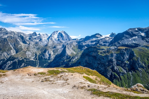 フランスアルプス、プラローニャンラヴァノワーズのプチモンブランサミットからの山岳氷河の景観