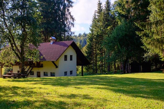 山小屋、スロベニア