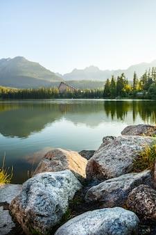ハイタトラの山の湖