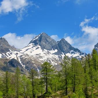 Гора diavolo di tenda в оробских альпах в долине брембана