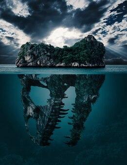 물 위의 산