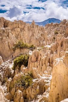 Горная тропа в долине луны, боливия