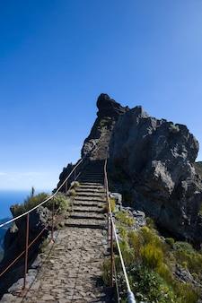 山のピークピコドアリエイロマデイラ島、ポルトガルで