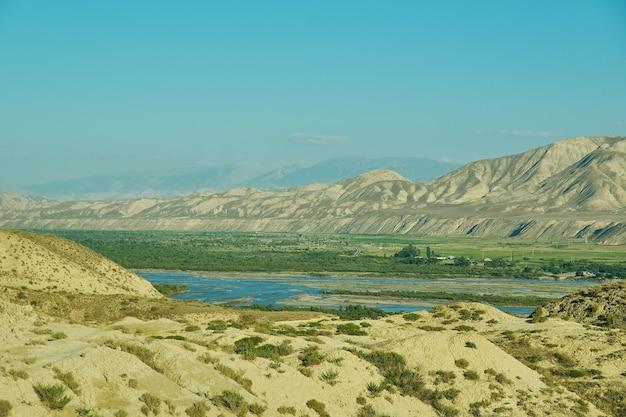 キルギスタン西部のジャララバード地域の山岳高原地区