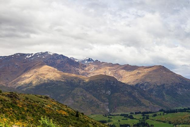 산의 경치 퀸스 타운 지역 뉴질랜드