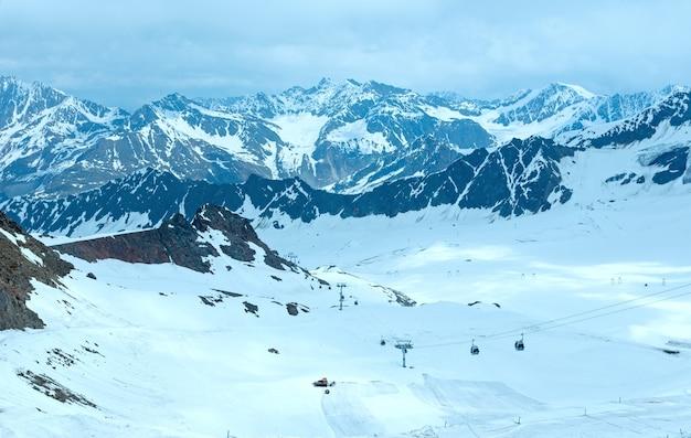 Karlesjoch 케이블 스키 리프트 상부 역에서 산 전망 (3108m, 오스트리아-이탈리아 국경의 kaunertal gletscher 근처)