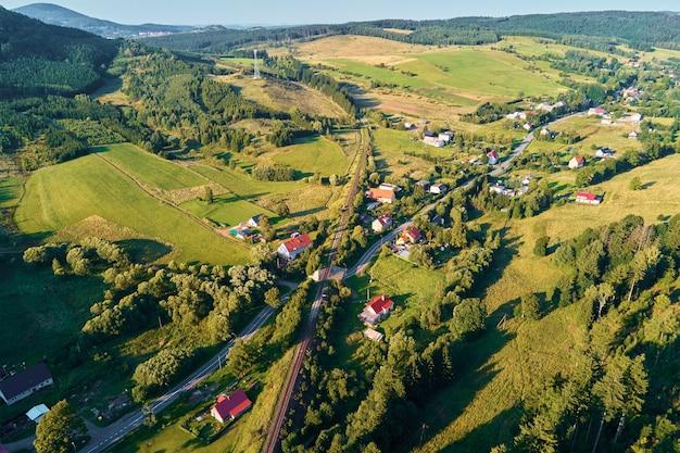 山村と農地空撮自然景観