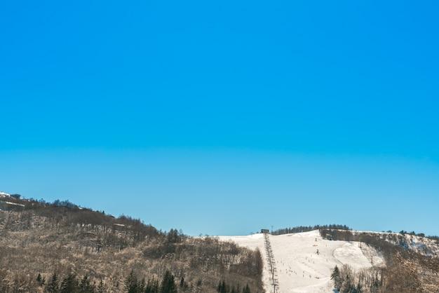 スキーとマウンテン