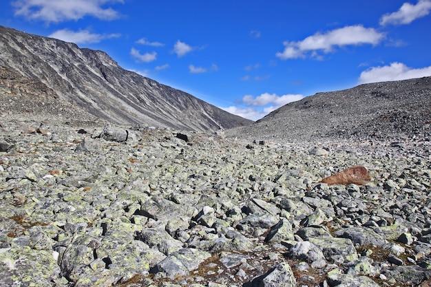 노르웨이의 산악 지형. 요툰 헤이 멘 국립 공원