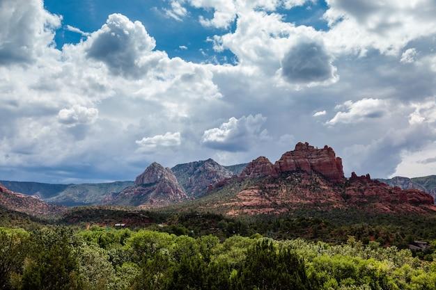 アリゾナ州セドナの山々