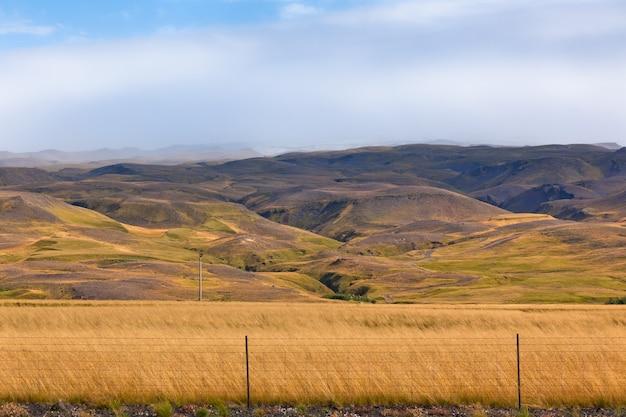 Горы исландский пейзаж