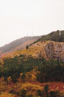 ビルバオの秋の季節の山々