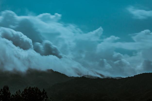 Mountains at night (2/2)