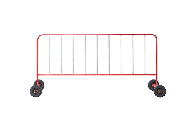 Движущийся забор или металлический барьер для управления дорожным движением, изолированные на белом фоне.