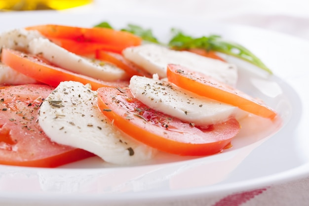 Mozzarella with tomatoes