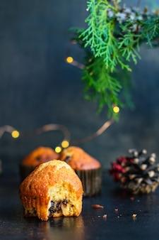 Кексы кексы домашняя выпечка торты на столе