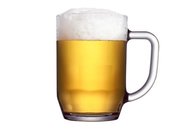 Кружка пива на белом фоне, изолированные