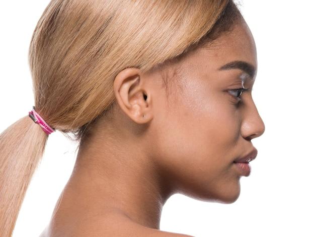 Мулатка женщина афроамериканец красота уход за кожей лицо