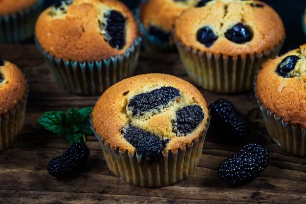 Mulberry muffin cake