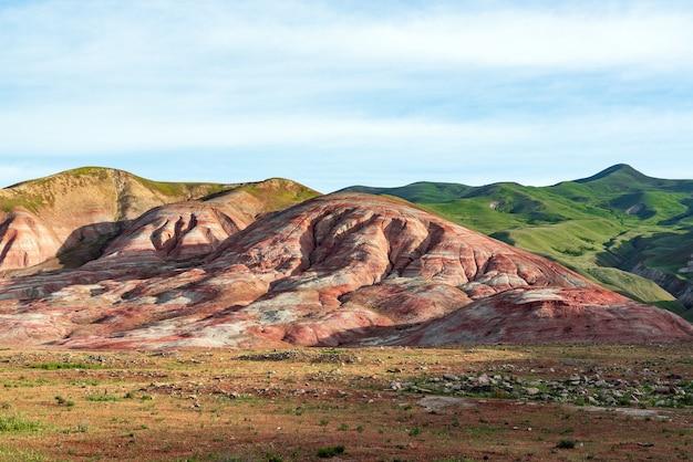 マルチカラーの自然の山のパターン