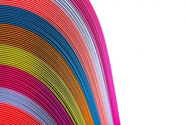 さまざまな色の段ボールから多色の背景