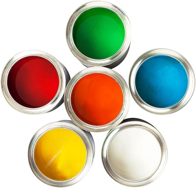흰색에 여러 가지 빛깔된 페인트 캔