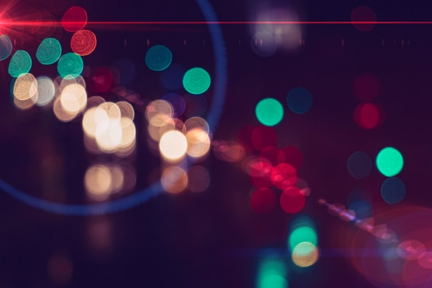 스페인 빌바오의 밤에 여러 가지 빛깔의 가로등