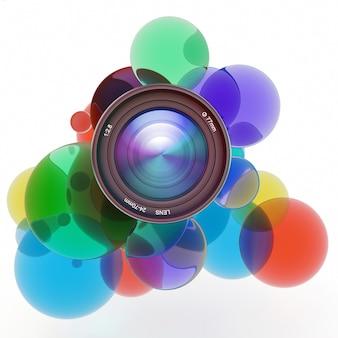 카메라 렌즈를 둘러싼 여러 가지 빛깔의 투명 원