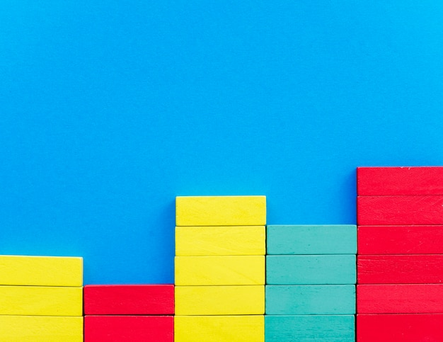 色とりどりの木製ブロック