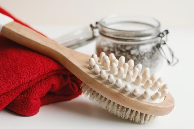 Универсальная щетка для массажа тела, красного полотенца и скраба