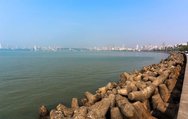 Мумбаи, индия, пляж на горизонте