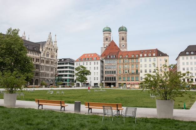 ミュンヘン、ドイツ-2017年5月31日:バイエルン州ミュンヘンのマリエン広場の市内中心部のビュー