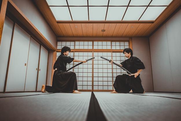 東京の伝統的な道場でのmuraの訓練