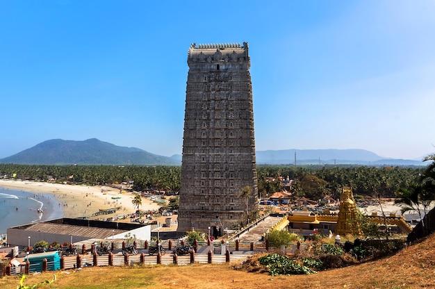 Murudeshwar, india gopuram of murudeshwar temple was built in 2008, dedicated to hindu god shiva and it is 72 meters high.