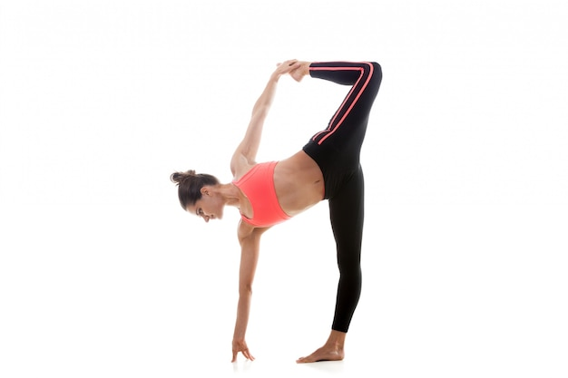 Мышечная тренировка девушки