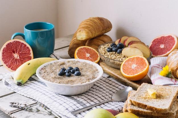Mush and healthy fruits