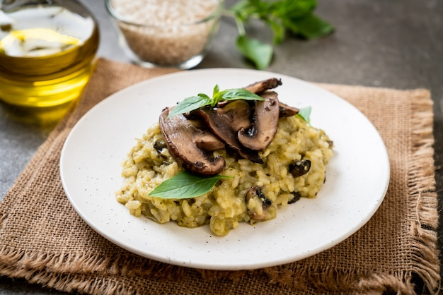Mushroom risotto with pesto and cheese
