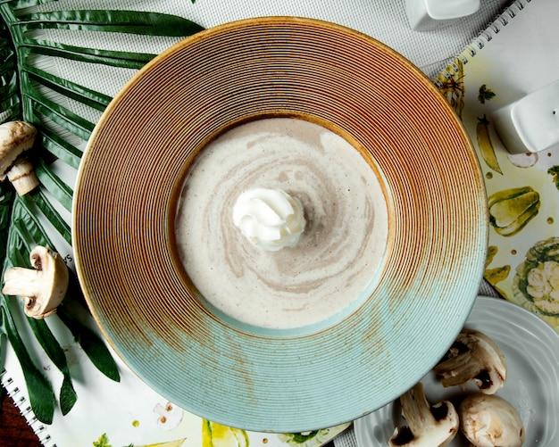 Mushroom soup with sour cream