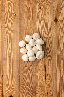 木製のキノコ