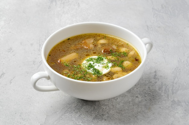 Mushrooms and potato soup with sour cream