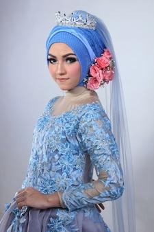 イスラム教徒のメイクアップとファッションの結婚式