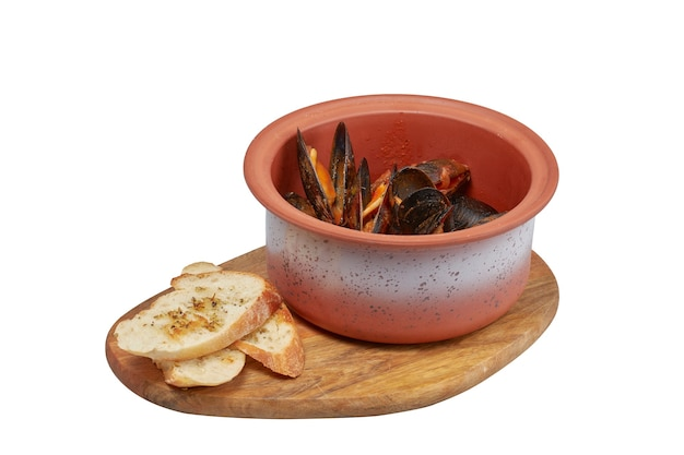 Mussels in sauce, restaurant dish, image isolate