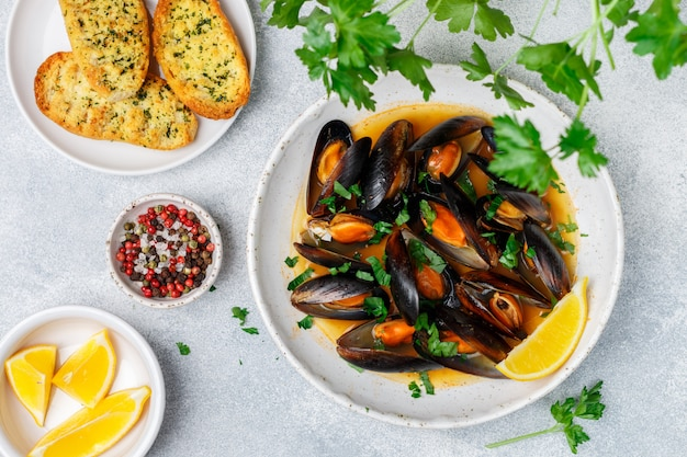 Mussels in wine