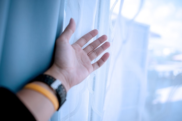 Моя рука ждет. аранжируйте что-нибудь, чтобы вступить в жизнь.