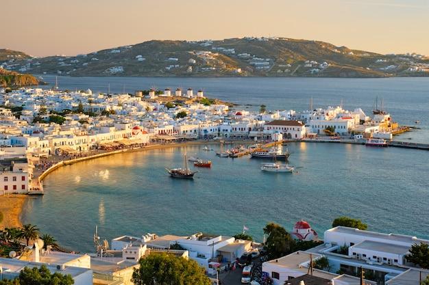 ミコノス島港、ボート、キクラデス諸島、ギリシャ