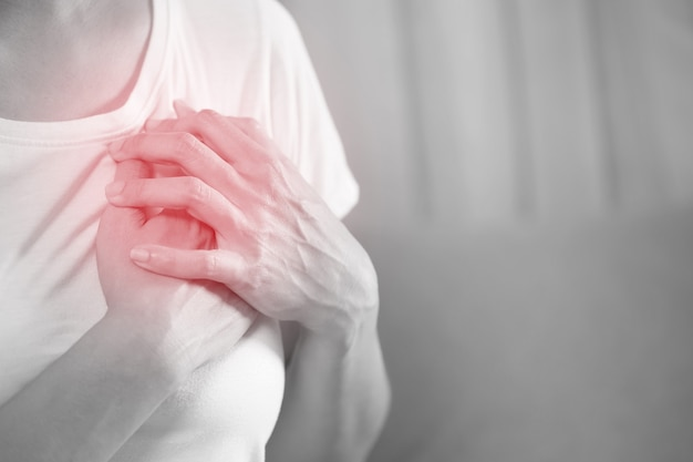 Covid-19ワクチン接種に伴う心筋炎と心膜炎の可能性があります