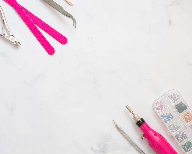 Assortimento di elementi per la cura delle unghie con spazio di copia