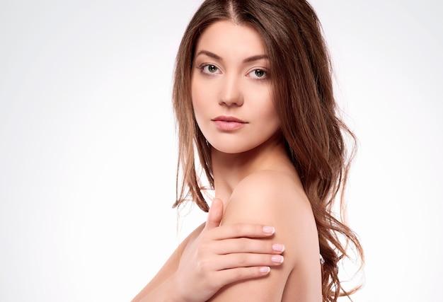 ニュートラルな裸の女性