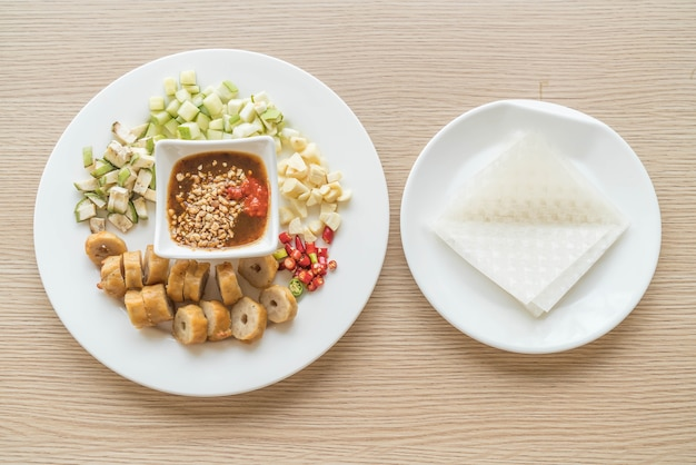 Nam-neaung, avvolti da sfera di carne vietnamita